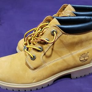 6.5 woman's wheat colored timberland boots
